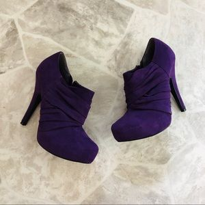 G BY GUESS purple heeled booties size 7
